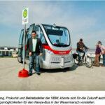 Andreas Jung mit einem Mobil-Bus in Wesermarsch