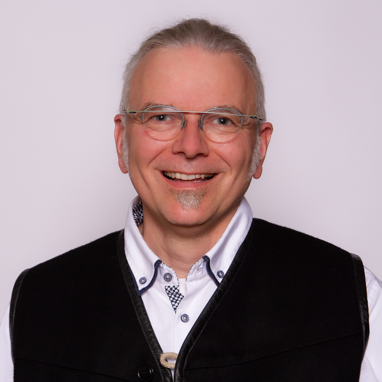 Ulrich van Triel Headshot